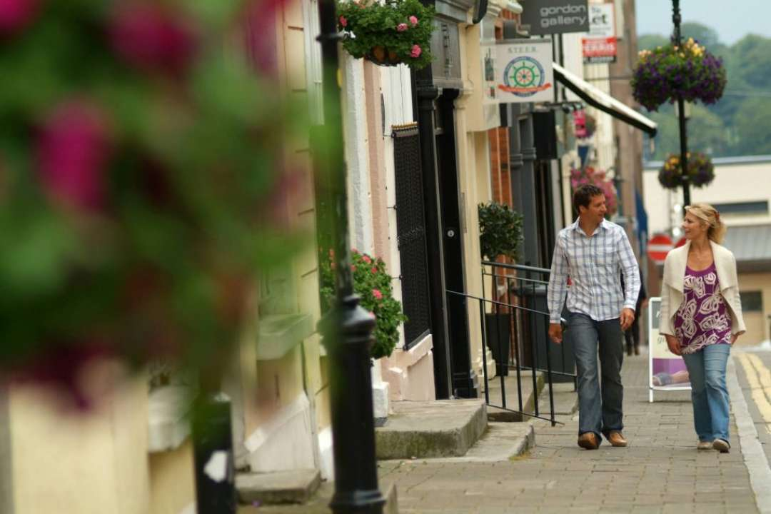 Couple Strolling in Derry