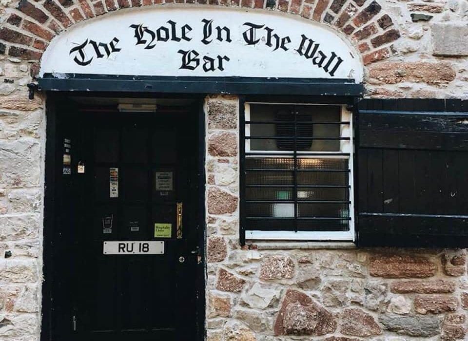 The Hole in The Wall Pub Belfast